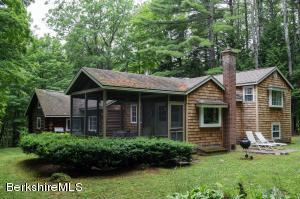 12 Tannery Rd, Sandisfield, MA 01255
