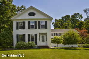 4 Willard Hill Rd, Stockbridge, MA 01262
