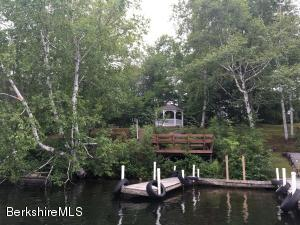 41 Lakeview, Hinsdale, MA 01235