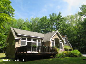 4 Ridge Rd, Egremont, MA 01252