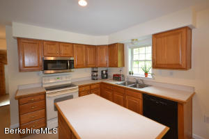 90 CURTIS ST, HINSDALE, MA 01235  Photo