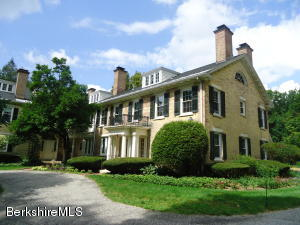 57 Main St # 3 St St, Stockbridge, MA 01262