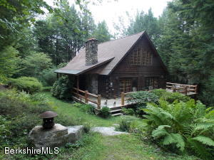 157 Chipman Rd, Middlefield, MA 01243
