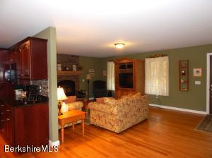 87 BRODIE MOUNTAIN RD, LANESBORO, MA 01237  Photo
