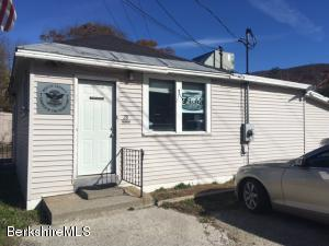 28 Cross Rd, Clarksburg, MA 01247
