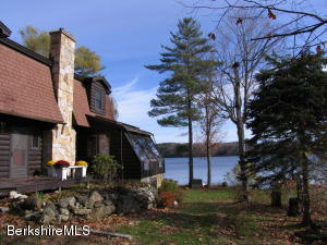 112 BLYTHEWOOD DR, PITTSFIELD, MA 01201  Photo