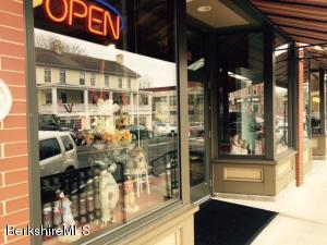 40 Main St, Lee, MA 01238