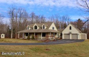 55 Meadow Ridge Dr, Pittsfield, MA 01201