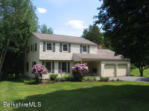 72 Buxton Hill Rd, Williamstown, MA 01267