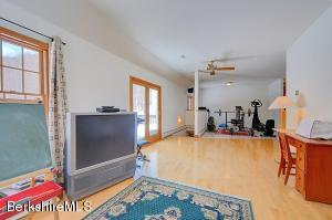 421 SWAMP RD, RICHMOND, MA 01254  Photo