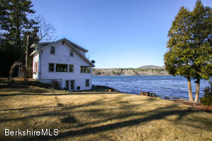 24 Laurel Banks, Monterey, MA 01245