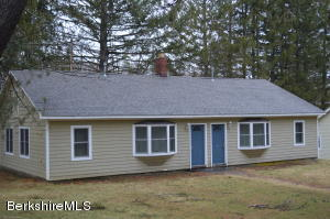 70 Interlaken Rd Rd, Stockbridge, MA 01262