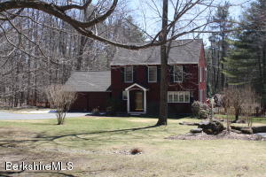 9 Quiet Knoll Rd, Stockbridge, MA 01262