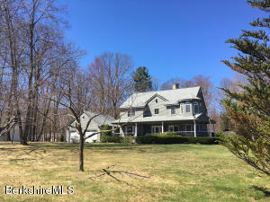 12 Lillybrook Rd, Pittsfield, MA 01201