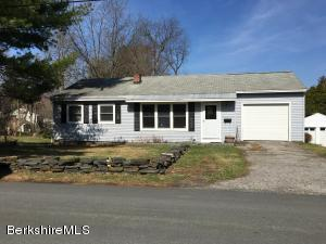 15 White Oaks Rd, Williamstown, MA 01267