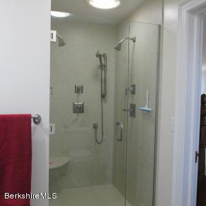 323 EAST NEW LENOX RD, PITTSFIELD, MA 01201  Photo