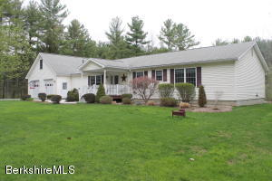 32 Woodcock Rd, Williamstown, MA 01267