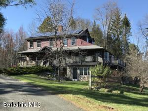 19 East St, Stockbridge, MA 01262