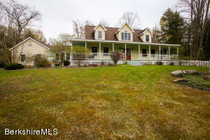 8 Mohawk Lake Rd, Stockbridge, MA 01262