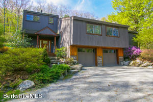 14 Glendale Rd, West Stockbridge, MA 01266