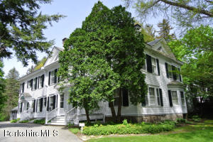 41 Main St # 8 St St, Stockbridge, MA 01262