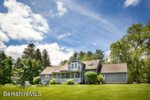 4 Cornwall Dr, Great Barrington, MA 01230