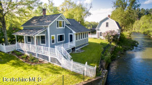 2148 Green River Rd, Williamstown, MA 01267