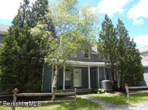 9253 Mountainside Dr Dr, Hancock, MA 01237