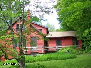 223 Bailey Hill, Readsboro, VT 05350