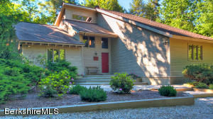 33 Sioux, Becket, MA 01223