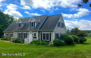 25 Stockbridge Rd, Lee, MA 01238