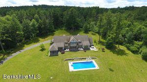 27 Hemlock Hill Rd, Great Barrington, MA 01230