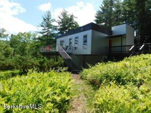 300 Syndicate Rd, Williamstown, MA 01267