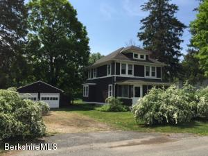 1 Goodrich St, Stockbridge, MA 01262