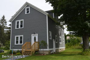 20 Maple, Williamstown, MA 01267