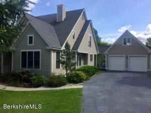 112 Stratton Rd, Williamstown, MA 01267