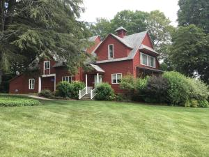 496 William, Pittsfield, MA 01201