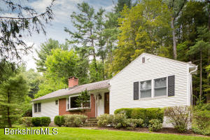 12 Berkshire Heights Rd, Great Barrington, MA 01230