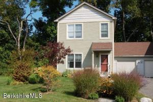 7 Stanley Dr, Great Barrington, MA 01230