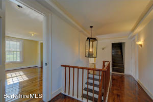 261 MAIN ST, HINSDALE, MA 01235  Photo