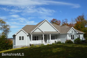 155 VALLEY VIEW Rd, Becket, MA 01223