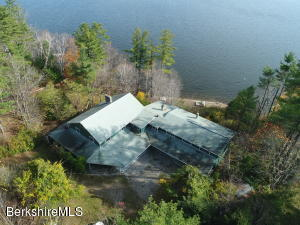 86 Interlaken Rd, Stockbridge, MA 01262