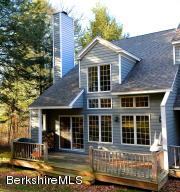 9125 Mountainside Dr Dr, Hancock, MA 01237