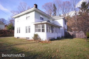 1 Fairview Rd, Great Barrington, MA 01230