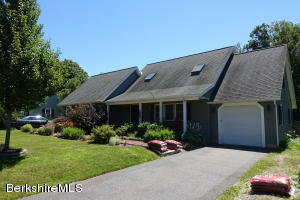 1155 Hoosac Rd, Williamstown, MA 01267