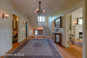 575 SOUTH ST, PITTSFIELD, MA 01201  Photo