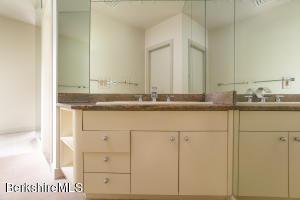 4 EASTBROOK LN, PITTSFIELD, MA 01201  Photo