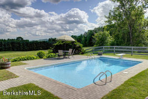69 DEER HILL RD, RICHMOND, MA 01254  Photo