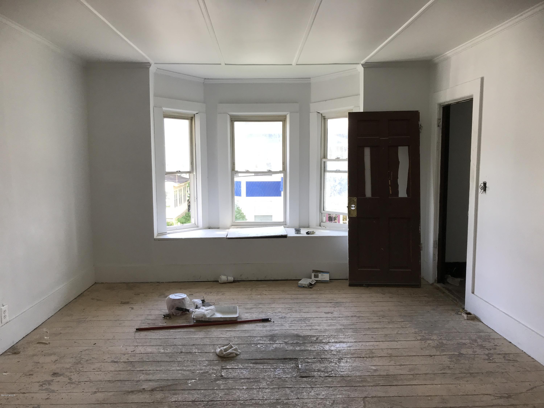 apt2 living room