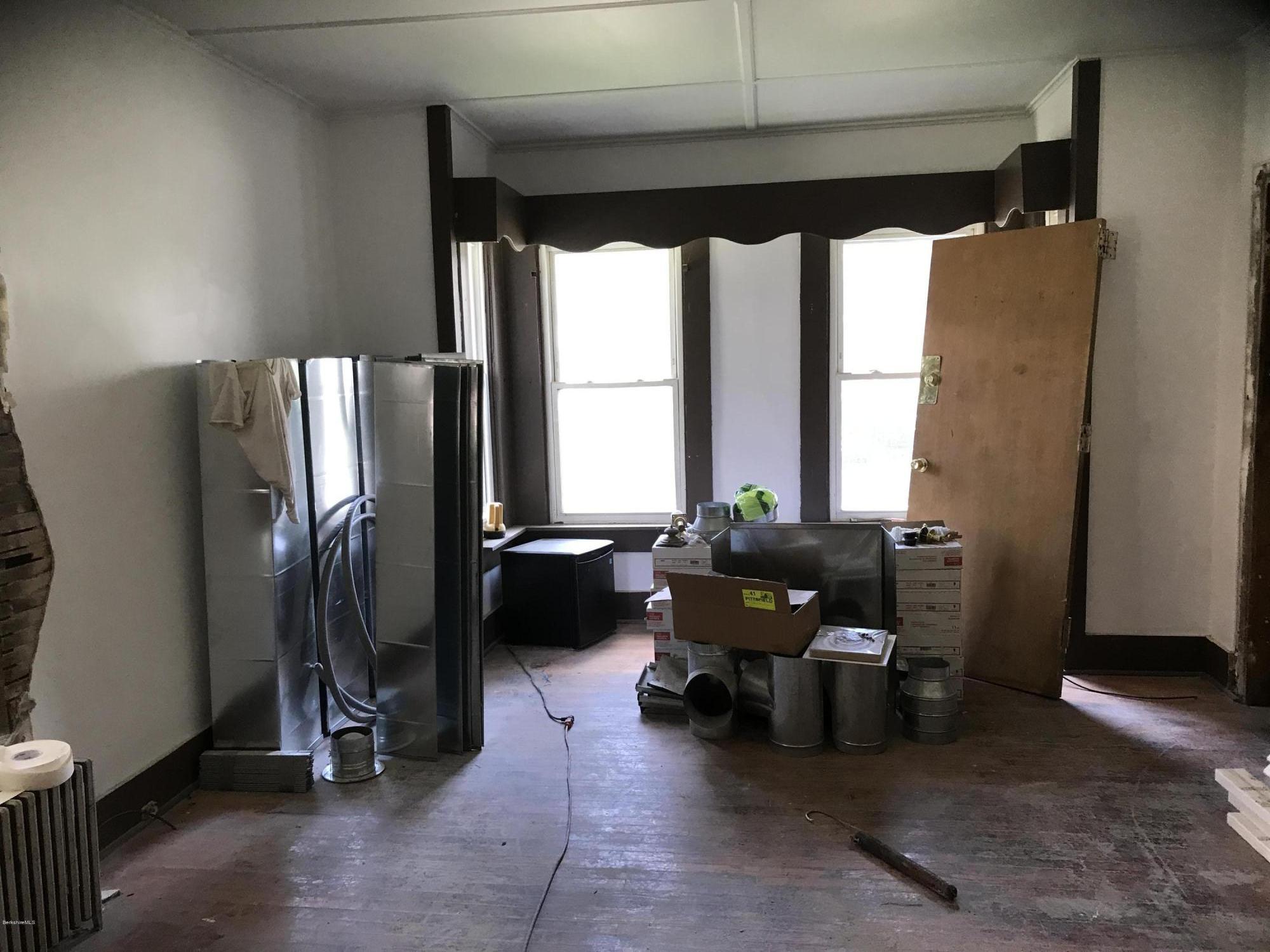 1st flr living room